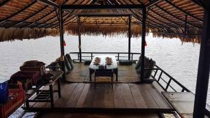Individual Huts at the Waterview Restaurant